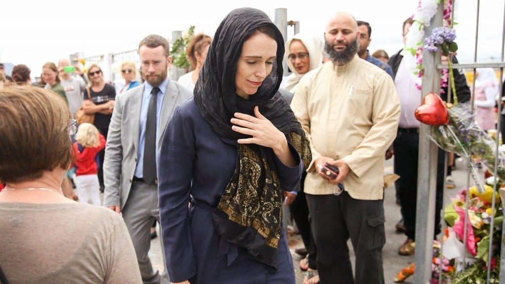 ست حاجات تثبت أن رئيسة وزراء نيوزيلاندا ناقصها تلات تنانين وتبقي كاليسي