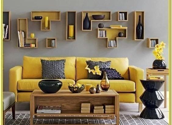 ألوان بانتون لسنة2021 الأصفر والرمادي