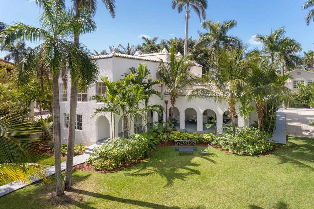 A look at The former house of gangster Al Capone Which hit the market for $14.9 million