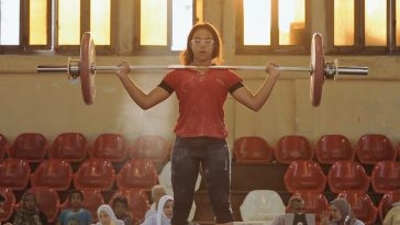 Lift Like a Girl (Ash Ya Captain) will be the first Egyptian documentary film streaming on Netflix