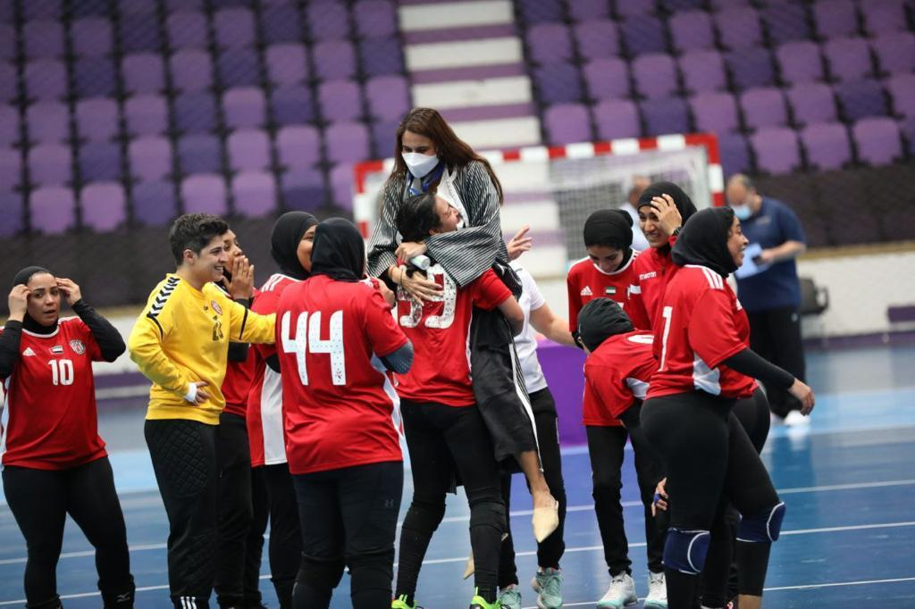Handball player Shaimaa El Sawy Kashkosh wins the League Cup with UAE club Al-Jazira